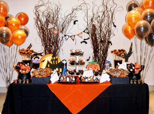 O dia das Bruxas ou Halloween está chegando e eu selecionei algumas fotos com idéias criativas para a festa de Halloween.Tem maquiagens, fantasias, mesas, detalhes de decoração, comidas temáticas, doces, cakepops, cupcakes, bolos… Assustadores para os mais crescidinhos, com direito a sangue, dedos amputados, argh! Ou mais light com predominância de abóboras e bruxinhas para