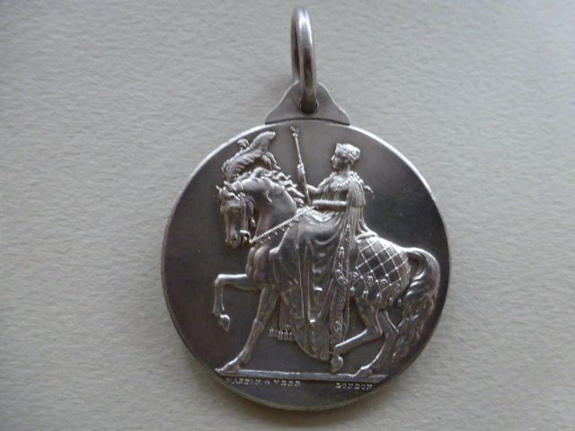 Shire Horse Society Medal - Foxhouse Fine Art | Selected Works of Art, Ceramics & Glass, Jewellery & Pictures