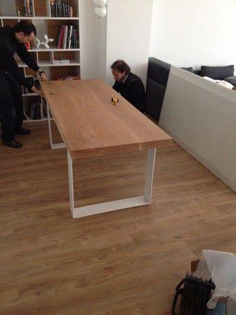 ilia estudio mesa de madera maciza con patas de hierro lacado en blanco