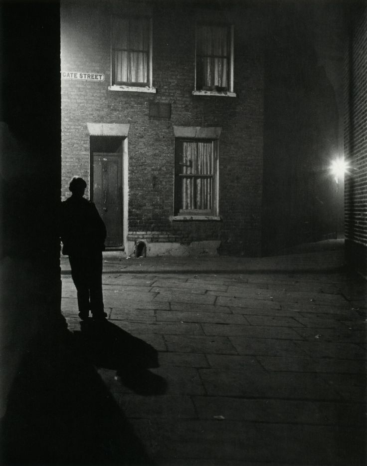✯ Bill Brandt ... London in 1937 .. posted by/ thanks to luzfosca✯