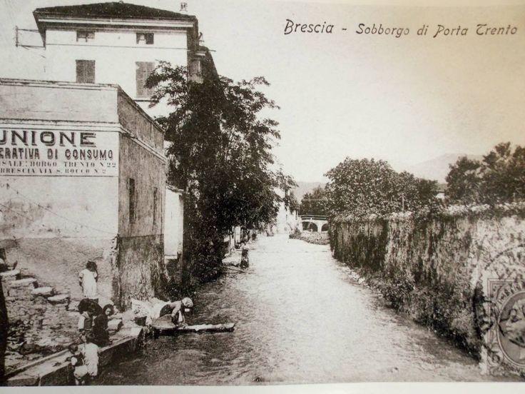 """""""Quando nel Garza si lavavano i panni"""" http://www.bresciavintage.it/brescia-antica/cartoline/quando-nel-garza-si-lavavano-i-panni/"""