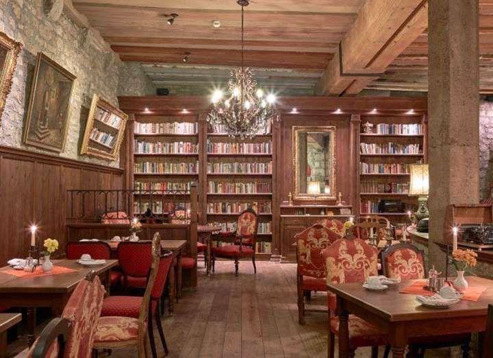 Die besten 25+ gotisches Haus Ideen auf Pinterest Viktorianische - stilvolles gotisches schlafzimmer