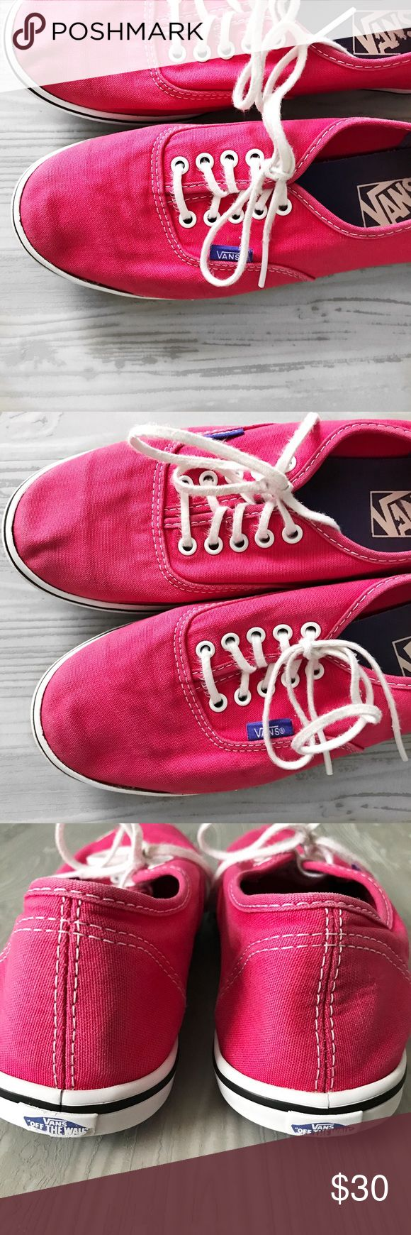 Vans Lo Pro Skate Shoe Gently used & in great condition! Men's 7, Women's 8.5 Shows tiny bits of wear, but overall in great condition ❣️ Bundle & save- I do 20% off bundles & I do accept offers ❣️ Vans Shoes Sneakers