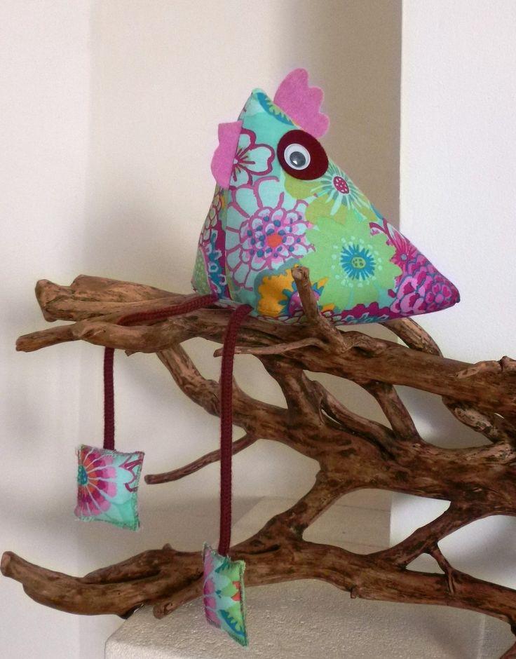 Poule forme berlingot en tissu pour décoration : Décoration pour enfants par atelier-decotiss