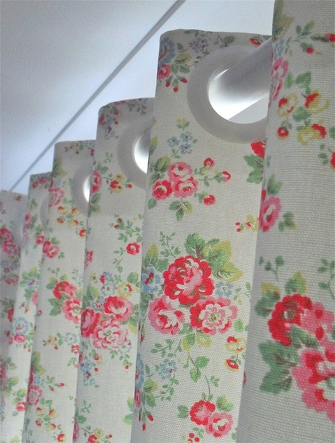Cath Kidton Spray flowers curtains by photos from the old lamp shed, via Flickr
