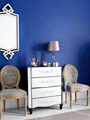 Cobalt Blue Walls With Silver Home Accessories Home Decor Ideas 1920s Furnishings Great