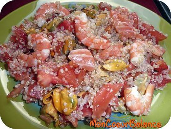 La meilleure recette de Salade Océane (Weight Watchers ProPoints)! L'essayer, c'est l'adopter! 4.3/5 (3 votes), 2 Commentaires. Ingrédients: 45 g de quinoa cru 4,5PP, 1 grosse tomate 0PP (150g), 65 g de moule 2PP (j'en ai acheté 300 g avec la coquille au rayon poissonnerie), 55 g de crevettes 1,5PP (ce qui fait 120g environ lorsqu'elles sont entières avec la tête) , 1 petite tranche de saumon fumé (20g) 1,5PP, 1 cc d'huile d'olive 1PP , 1 cc de jus de citron 0PP, sel et poivre 0PP
