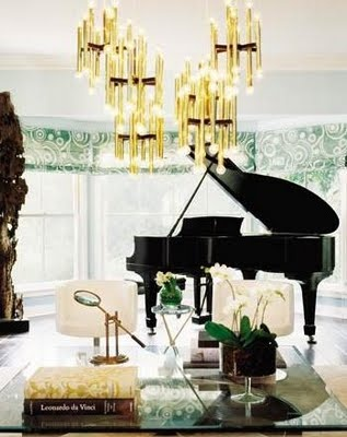 A modern corner for this grand piano. Gold and black always go naturally together #home #studio #room