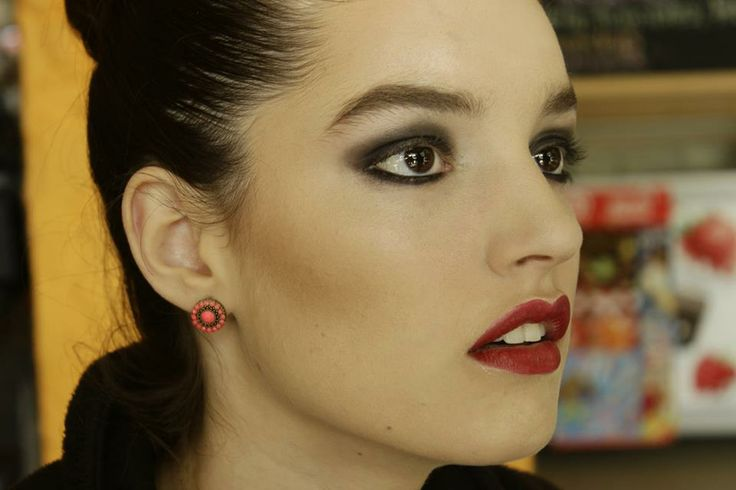 MUAH : CLAUDIA VICTORIANO https://www.facebook.com/pages/Maquillaje-Profesional-by-Claudia-Victoriano/230382590341665