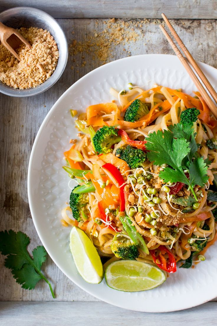Vegan pad thai - Lazy Cat Kitchen | potluck at ohmyveggies.com