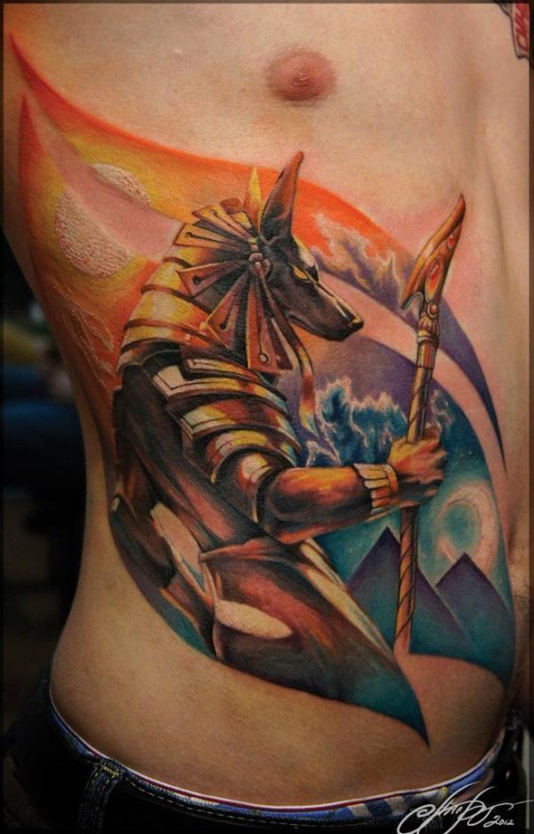 Мужские татуировки на боку