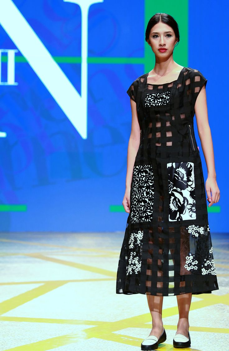 Vietnam Fashion Week SS16 - Ready to wear. Designer: Minh Minh. Photo: Cao Duy