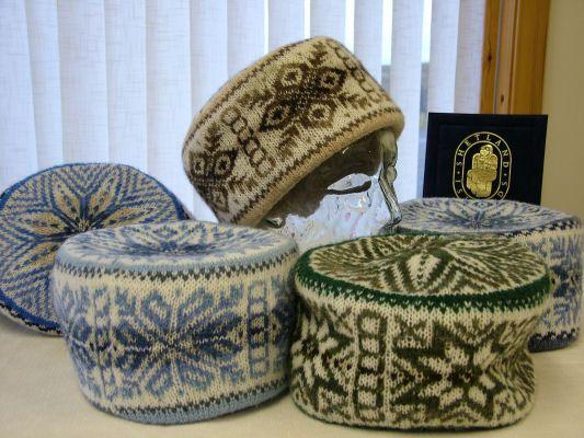 351 best Knit Fair Isle Hat images on Pinterest | Ravelry, Berets ...