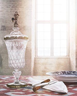 Glaspokal med lock från 1647.