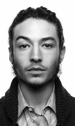 He could definitely pull off a John Lennon biopic. Don't you agree? #EzraMiller #JusticeLeague #Flash