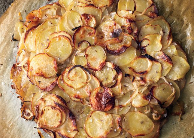 duck fat potato galetteComforters Food Recipe, Sweets Onions, Potatoes Recipe, Enjoy Your Meal, Bon Appetit, Comfort Food Recipes, Ducks Fat Potatoes, Caraway, Fat Potatoes Galette