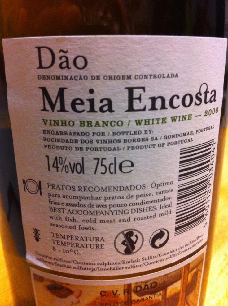 Uma agradável surpresa para quem nunca tinha bebido Dão Meia Encosta. Branco e 14º. E pouco mais de 3€