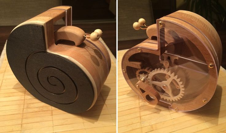 """Wooden coin bank """"Schneckchen"""" (snail) from Kilian Stumpf. Designed by Christopher Blasius. Plans available at holzmechanik.de"""
