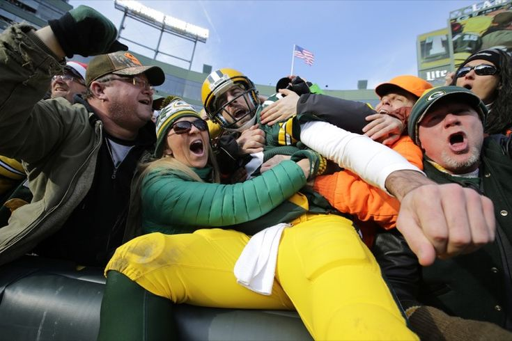Aaron Rodgers Likes that Boozy Feeling -- Green Bay Packers quarterback Aaron Rodgers got to execute a Lambeau Leap on Saturday. What did he find when he got up there? Exactly what we would expect.
