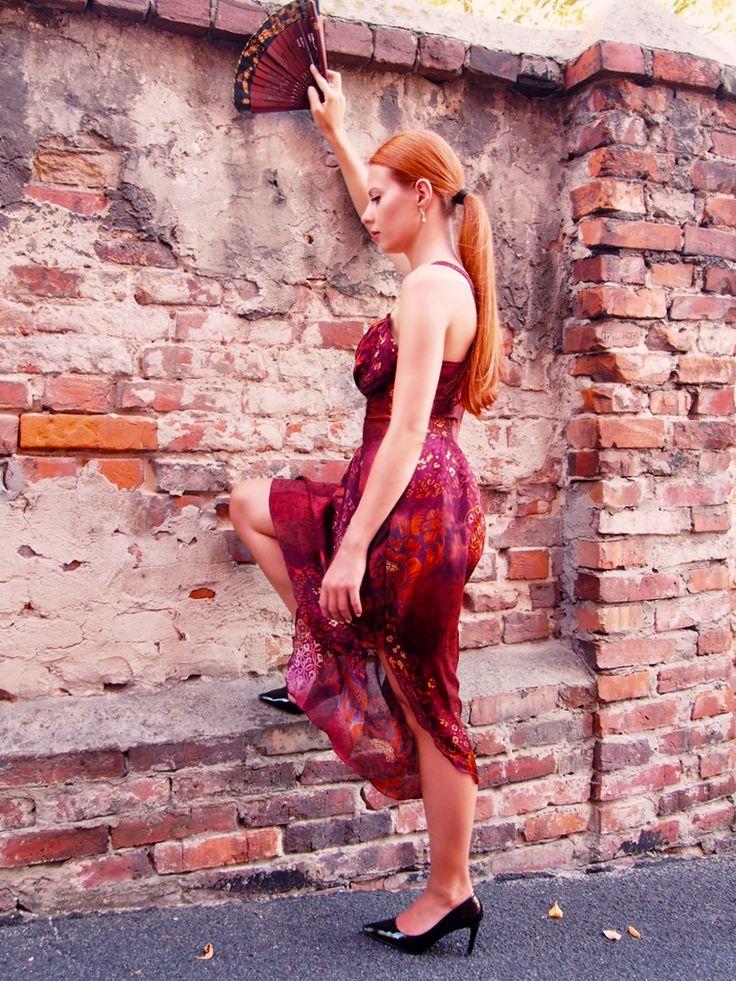 claret gown, summer dress https://banachic.wordpress.com/