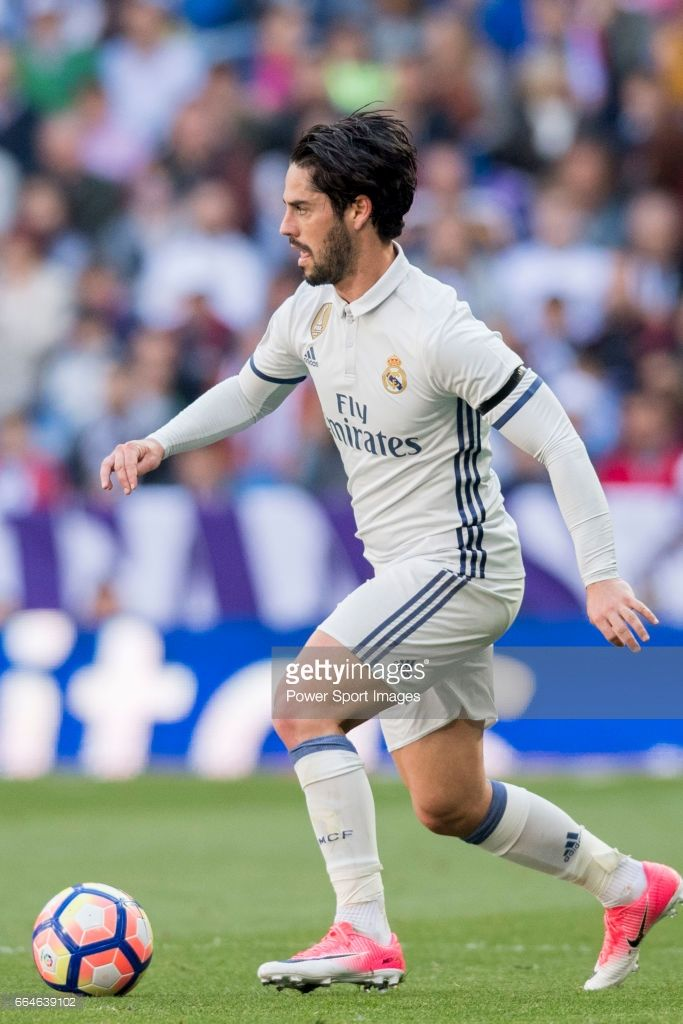 Isco Alarcon of Real Madrid in action during their La Liga match between Real Madrid and Deportivo Alaves at the Santiago Bernabeu Stadium on 02 April 2017 in Madrid, Spain.