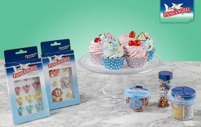 Cupcake - I cupcake sono dei morbidi dolcetti di origine americana diventati di moda in tutto il mondo. La loro preparazione è molto semplice e con poco sforzo potete realizzare questi sfiziosi dolcetti da gustare a merenda, per festeggiare qualche ricorrenza oppure da regalare ad amici e familiari.