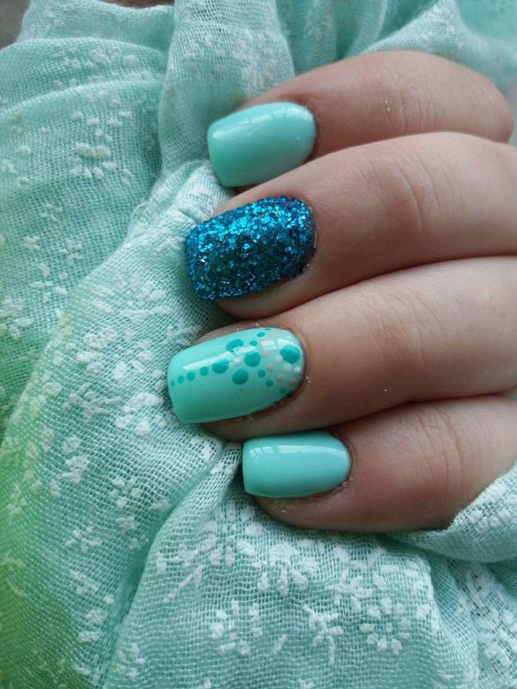 #mynails #crystal #crystalnails #mintnails #nudenails #mintnude #lovemynails #shine #bright #mynailartististhebest #myfriend @dillocskanails