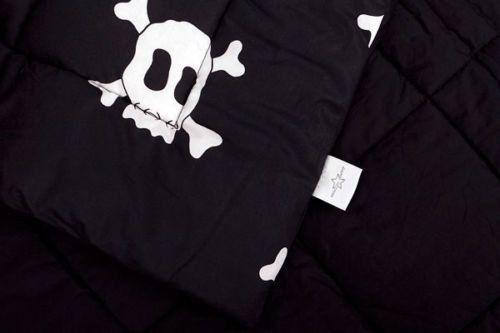 Black Skull Cot Quilt – Bump & Bunny