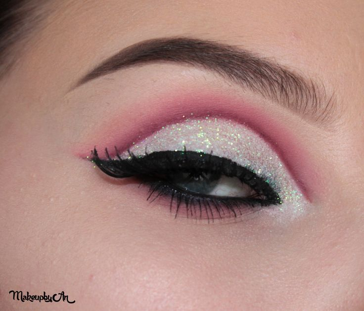 Cutcrease @makeupbyan #makeup #glitter #maccosmetis #elf #nyxcosmetics