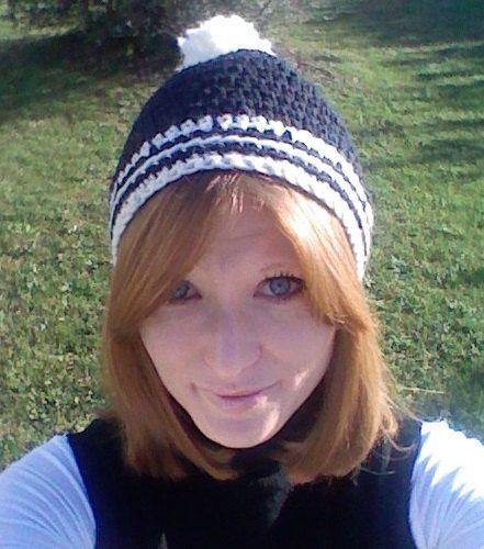 Crochet  navy-natural hat  202 Cappello blu navy  di Angelicaneri