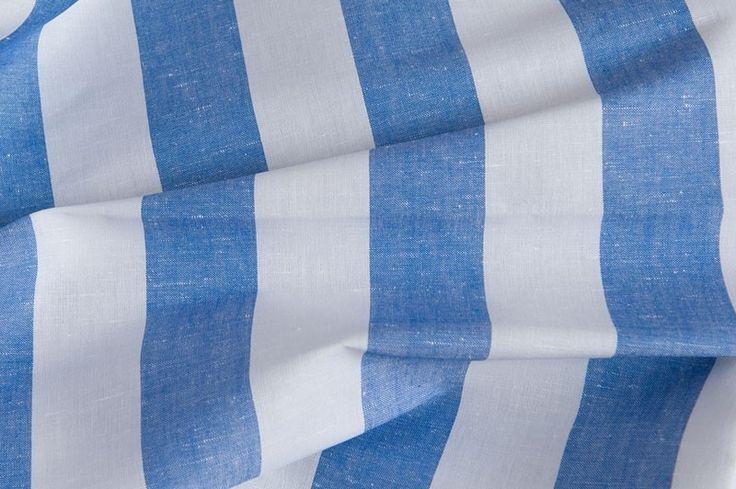Modro biela ľanovo bavlnená látka s pásikom.