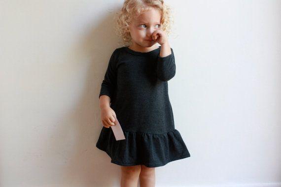 robe de ville / pdf couture motif / bambin 12Mo par OonaPatternCo                                                                                                                                                                                 Plus
