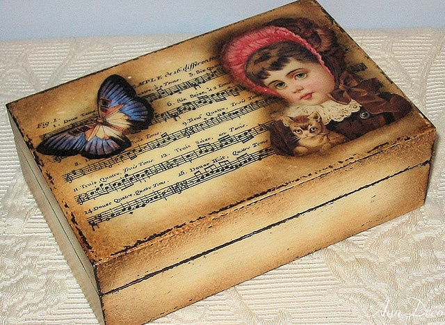 RETRO box - decoupage
