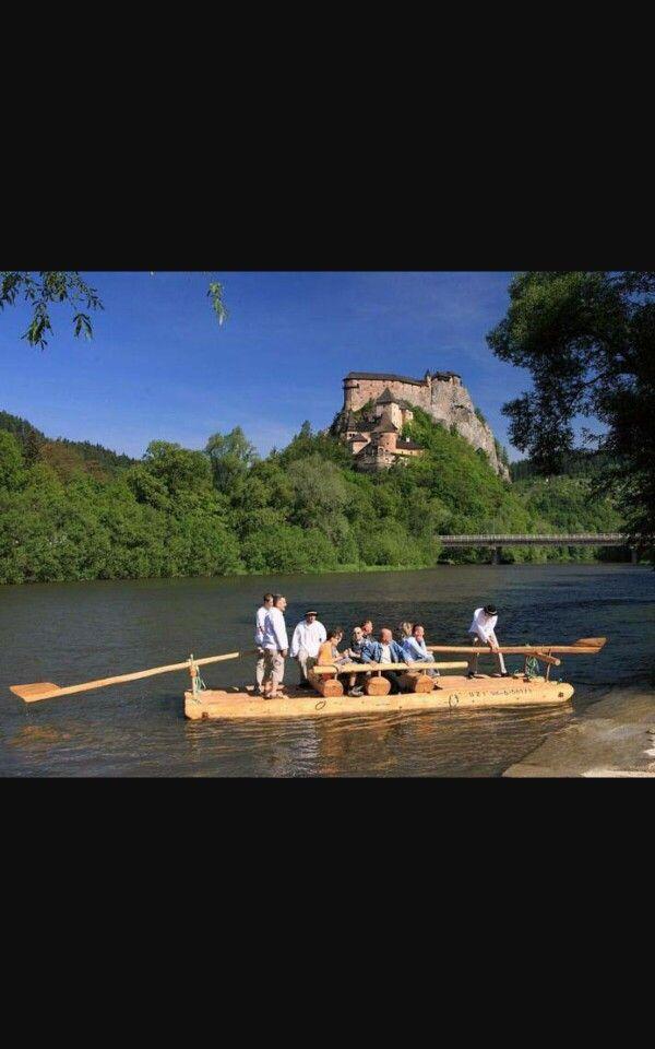 Oravský hrad a pltníci na rieke Orava Slvensko