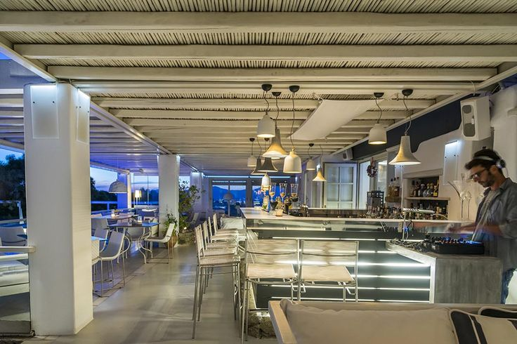 Enjoy a top class gastronomical experience to the sounds of modern electronic lounge music only at our awarded Thioni Restaurant!  #Semeli #SemeliHotel #Mykonos #Thioni