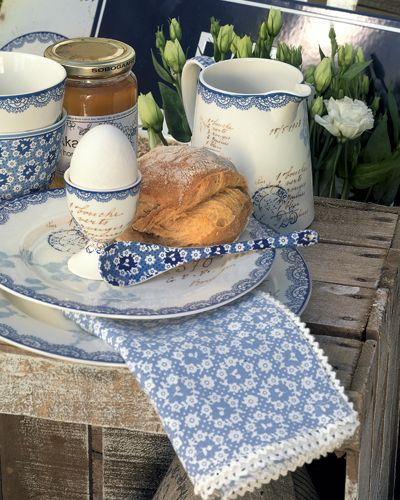 Tables Sets, Breakfast, Boiled Eggs, French Country, Teas Sets, White Dishes, French Blue, Eggs Cups, Green Gates
