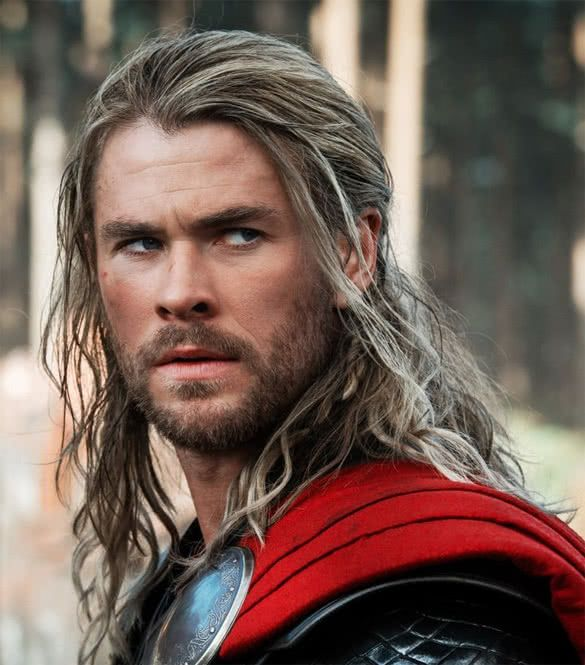 Chris Hemsworth Lange Haare