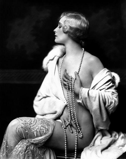Alfred Cheney Johnston :: Ziegfeld Follies girl, 1920's