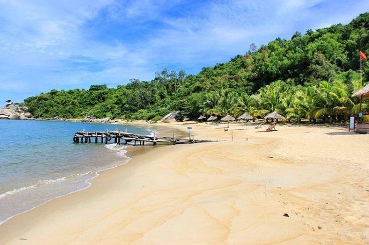 Laatste kans!! ⭐️ Je krijgt alleen nog vandaag 100 euro korting op een Vietnam-boeking. Check link in bio, kies de leukste route en boek de rondreis zoals jij hem wilt vóór vanavond 00:00! �� . . . #travel #travelphotography #traveldeeper #traveldiaries #travelpics #traveler #traveller #traveling #igtravel #travelgram #mytravelgram #travelingram #vietnam #azie #azië #strand #zon #zee #reizen #reisblog #reisblogger #rondreis #wereldreis #vakantie #reis #reisen #natuur #landschap…