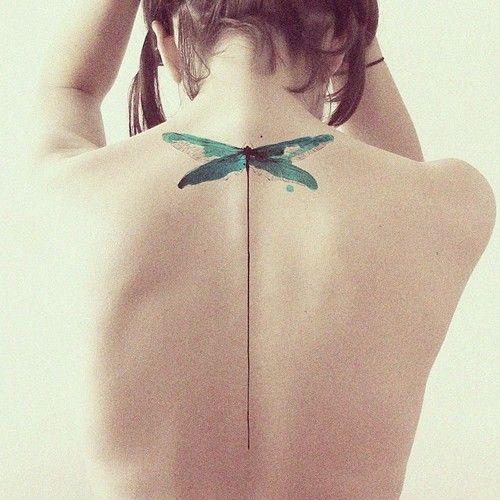tatouage libellule: