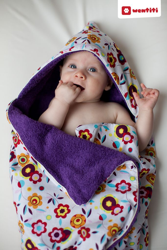 hooded towel tutorial - in dutch, but translates well.  Easily understood with just the pics