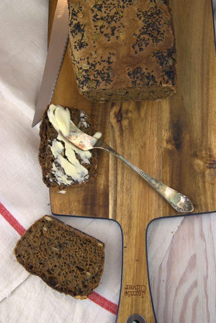 szczypta smaQ: Ciemny chleb żytnio-orgiszowy na zakwasie