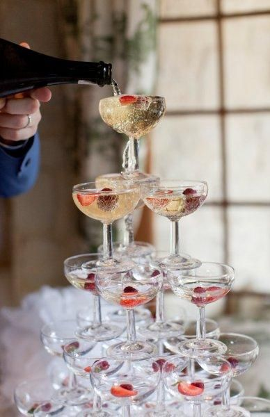 champagne tower with berries - instead of cutting a cake?!