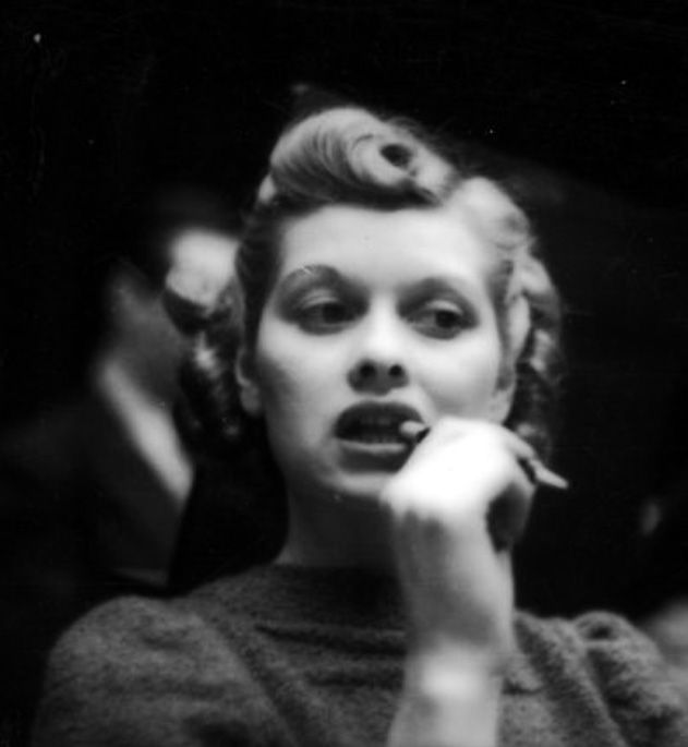 Люсиль Болл снимал Гена Лестер на съемках Фил Бейкер посмотреть, 1938