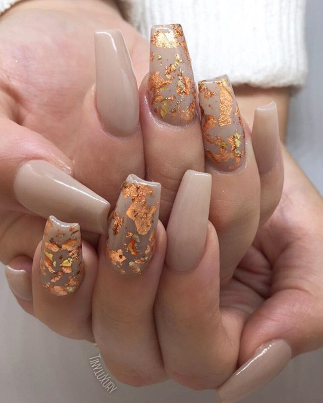Nude nails with gold foil detail - Best 20+ Marble Nails Ideas On Pinterest Nail Polish In Water