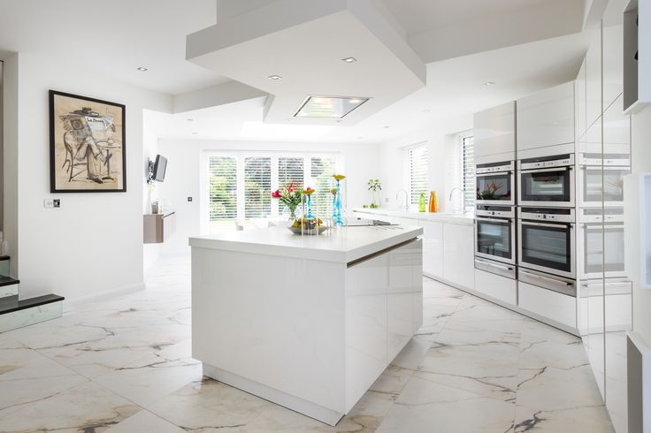Alternative view of this kitchen which cleverly incorporates a diagonal theme