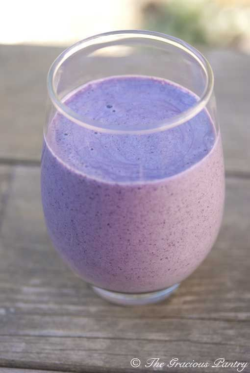 clean eating super berry protein smoothieAlmond Milk, Frozen Blueberries, Smoothie Recipe, Berries Smoothie, Vanilla Extract, No Sugar, Cleaning Eating, Eating Super, Super Berries