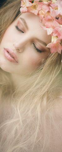 99px.ru аватар Девушка в венке из цветов