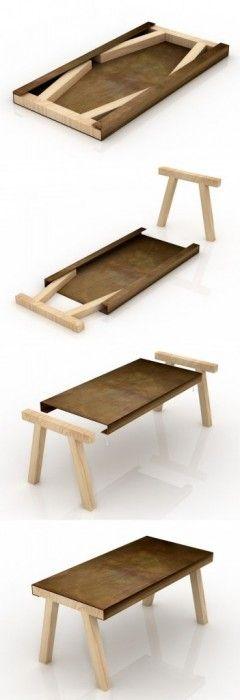 โครงสร้างของโต๊ะได้รับแรงบันดาลใจจากโต๊ะทำงานเก่าที่พบในเวิร์คช้อปของช่างฝีมือ โดยมีส่วนบนของโต๊ะทำจากแผ่นเหล็ก มีขอบ ที่สามารถเก็บขาโต๊ะที่ทำจากไม้ เมื่อไม่ใช้งาน สอดเก็บเข้าไปในขอบโต๊ะ เหลือเป็นแผ่นเหล็กแผ่นเดียว เก็บได้ง่าย