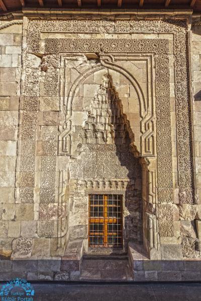 divriği ulu camii doğu kapısı - şah kapısı , selçuklu kapısı
